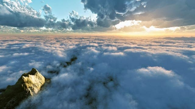 Looking for signs, in numbers, figures or shapes in clouds in the sky… Signs of the Future?