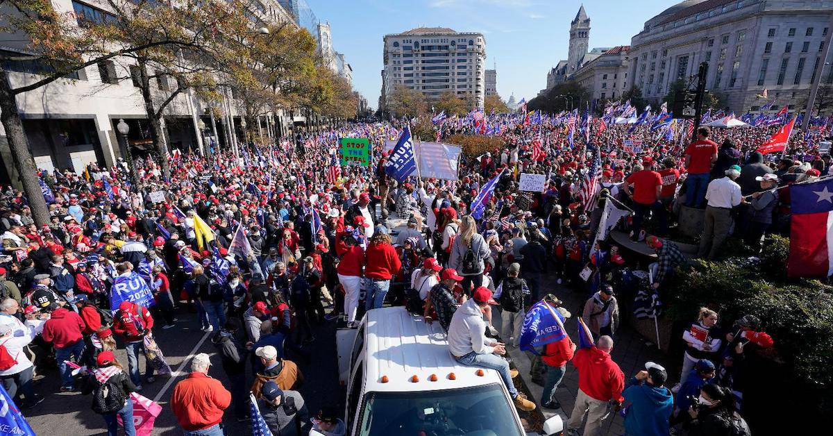 Hundreds of Thousands Rally in DC